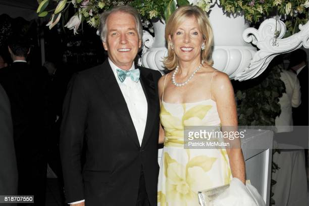 Jeffrey Peek and Liz Peek attend THE CONSERVATORY BALL at The New York Botanical Garden on June 3 2010 in New York City