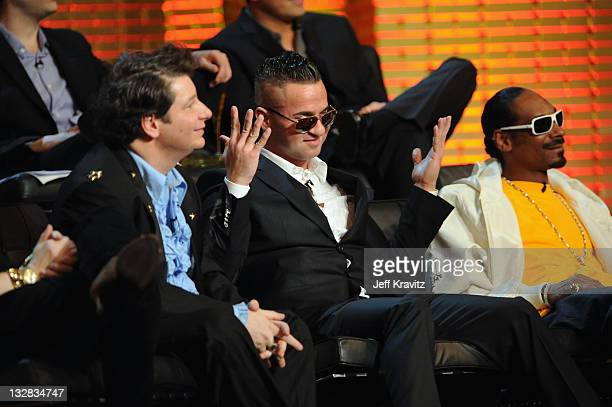 Jeffrey Ross Mike The Situation Sorrentino and Snoop Dogg attend the COMEDY CENTRAL Roast of Donald Trump at the Hammerstein Ballroom on March 9 2011...