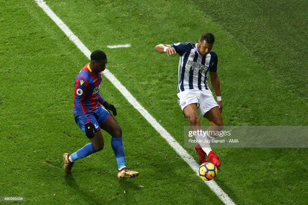 Jeffrey Schlupp of Crystal Palace and Jose Solomon Rondon of West Bromwich Albion during the Premier League match between West Bromwich Albion and Crystal Palace at The Hawthorns on December 2, 2017 in West Bromwich, England.