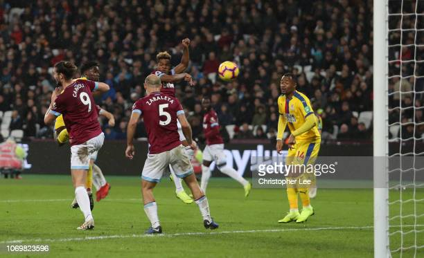 Jeffrey Schlupp of Crystal Palace scores his team's second goal during the Premier League match between West Ham United and Crystal Palace at London...