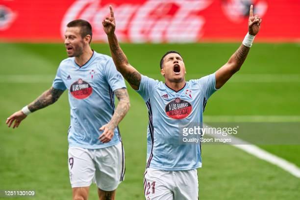 Jeison Murillo of Celta de Vigo celebrates after scoring his team's first goal during the Liga match between RC Celta de Vigo and Deportivo Alaves at...