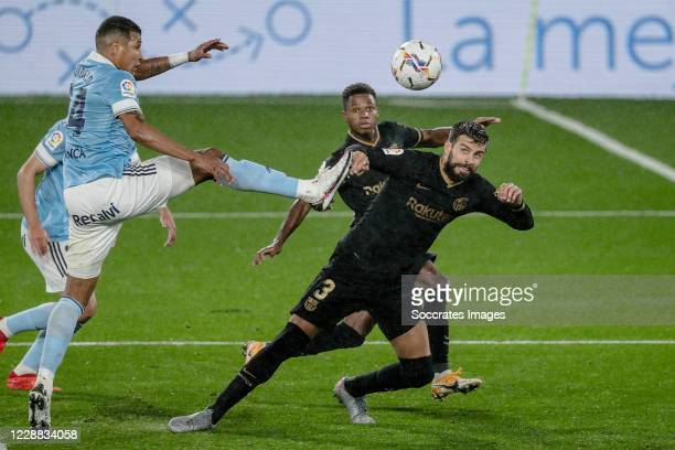 Jeison Murillo of Celta de Vigo Gerard Pique of FC Barcelona during the La Liga Santander match between Celta de Vigo v FC Barcelona at the Estadio...