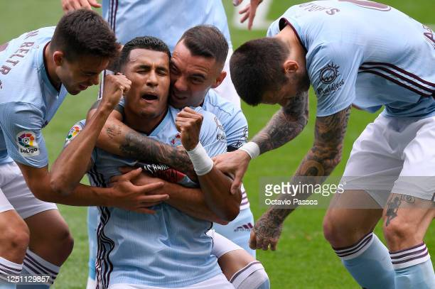 Jeison Murillo of Celta Vigo celebrates with his team after scoring his teams first goal during the Liga match between RC Celta de Vigo and Deportivo...