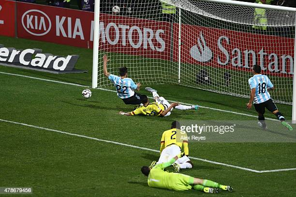 Jeison Murillo of Colombia makes a save during the 2015 Copa America Chile quarter final match between Argentina and Colombia at Sausalito Stadium on...