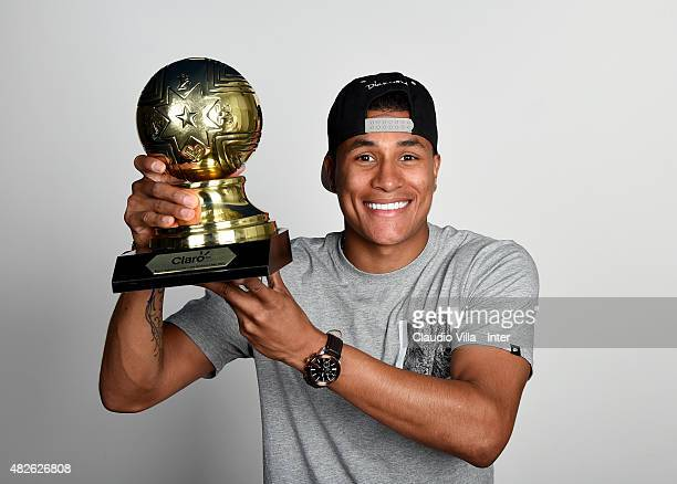 Jeison Murillo of FC Internazionale poses with the trophy for the Best Young Player at the Copa America 2015 at Appiano Gentile on August 1, 2015 in...