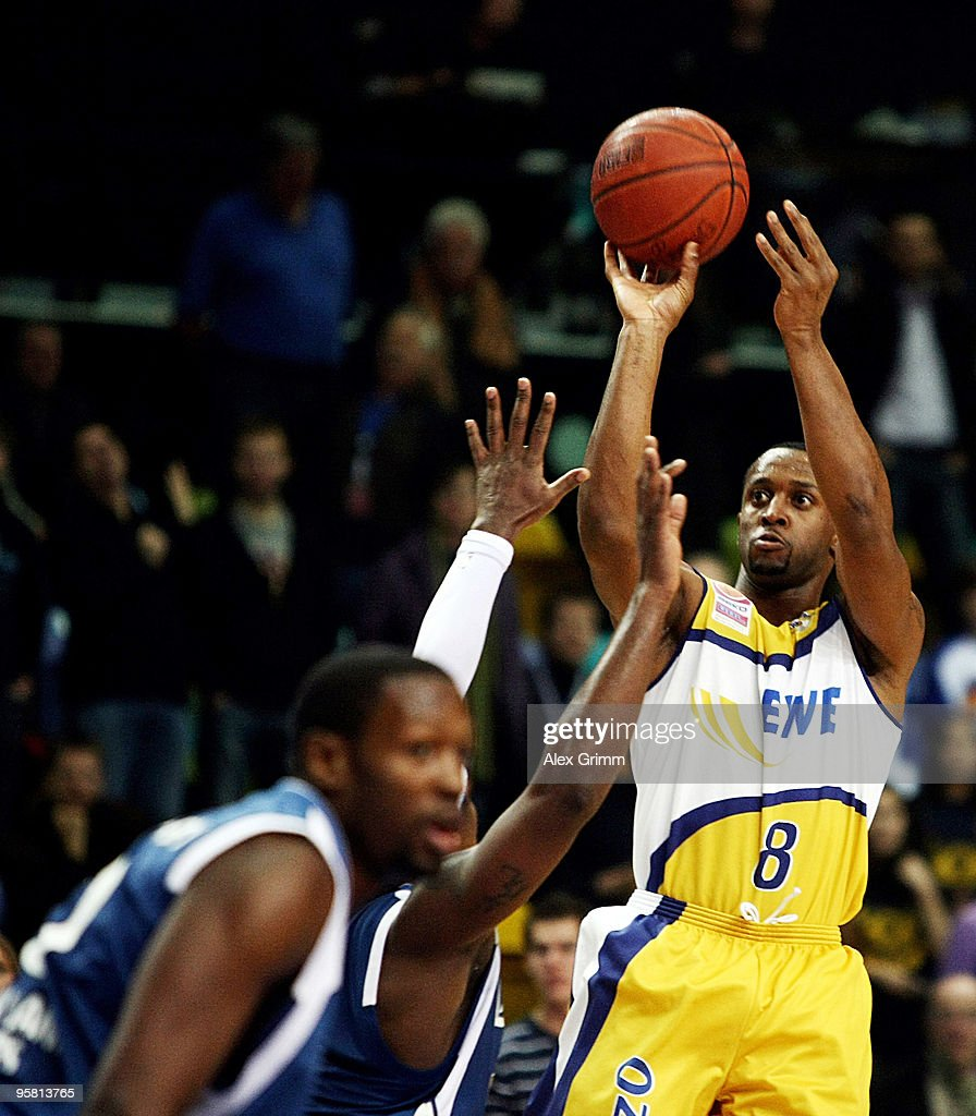 Deutsche Bank Skyliners v EWE Baskets - Beko BBL