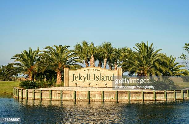 jekyll island entrance - brunswick georgia stock pictures, royalty-free photos & images
