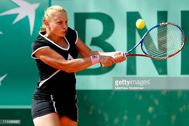 Jelena Dokic of Australia plays a forehand during the women's singles round one match between Jelena Dokic of Australia and Vera Dushevina of Russia...