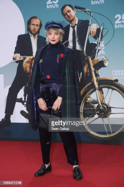 Jella Haase attends the '25 km/h' movie premiere at CineStar on October 25, 2018 in Berlin, Germany.