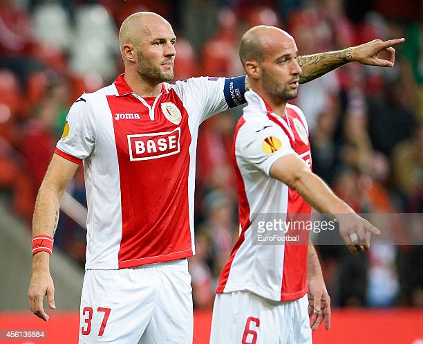 Jelle Van Damme and Laurent Ciman of Standard de Liege in action during the UEFA Europa League Group G match between R Standard de Liege and HNK...