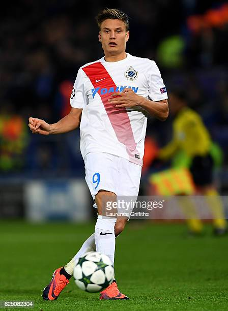 Jelle Vossen of Club Brugge passes the ball during the UEFA Champions League Group G match between Leicester City FC and Club Brugge KV at The King...