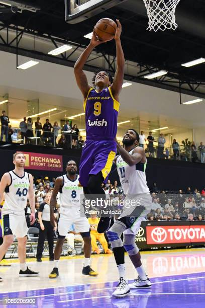 74fad1052 Jemerrio Jones of the South Bay Lakers goes to the basket against the Iowa  Wolves on