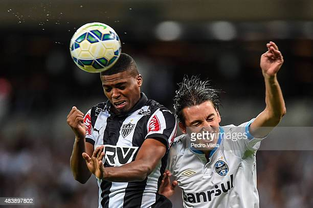 Jemerson of Atletico MG and Geromel of Gremio battle for the ball during a match between Atletico MG and Gremio as part of Brasileirao Series A 2015...