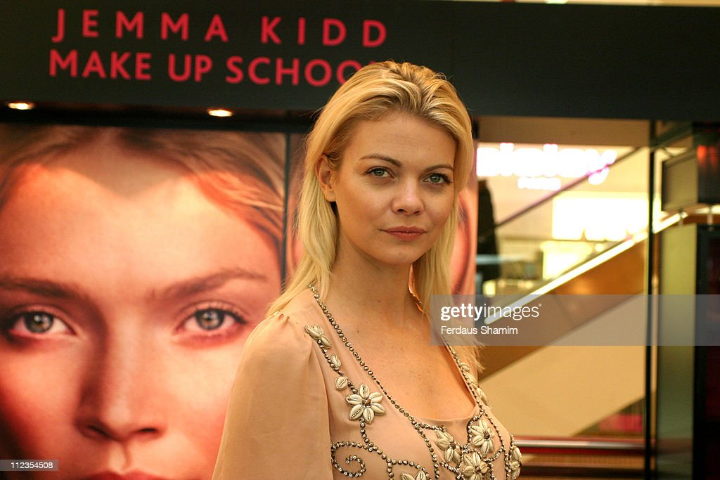 """Jemma Kidd Launches """"Beauty Unwrapped"""" at Selfridges in London - November 30, 2005"""