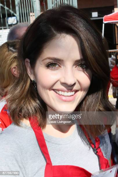 Jen Lilley is seen at the Los Angeles Mission Thanksgiving Meal for the homeless at the Los Angeles Mission on November 22 2017 in Los Angeles...