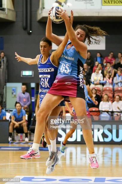 Jen O'Connell of the Steel and Anna Harrison of the Mystics compete for the ball during the ANZ Premiership match between the Mystics and the Steel...