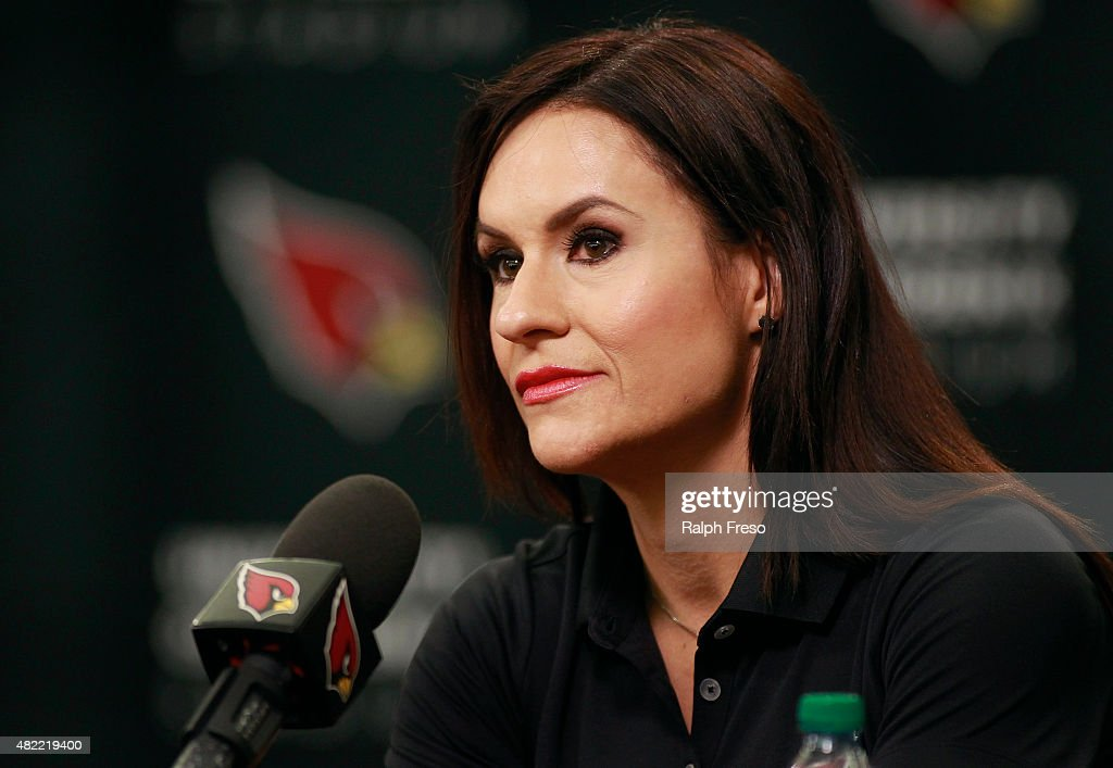Arizona Cardinals Introduce Levon Kirkland and Jen Welter : News Photo