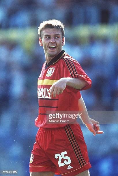 POKAL 1999 Jena 100799 TSV BAYER 04 LEVERKUSEN 1 FC KAISERSLAUTERN 31 JUBEL Bernd SCHNEIDER/LEVERKUSEN