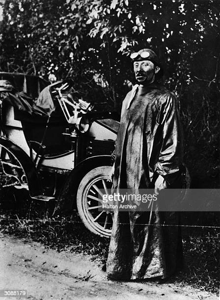 Jenatzy with his 16hp Mors car which he used in the 1899 Tour de France He subsequently won the Gordon Bennett Cup in 1903 in a Mercedes