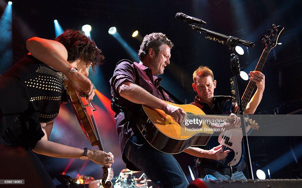 2016 CMA Music Festival - Day 3 : News Photo