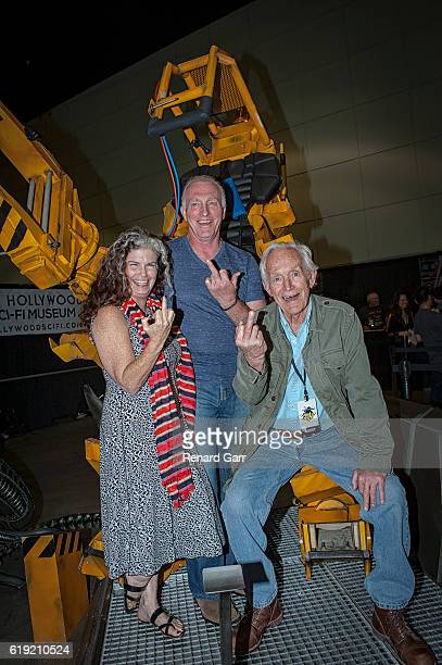 Jenette Goldstein Mark Rolston and Lance Henriksen at Los Angeles Convention Center on October 29 2016 in Los Angeles California