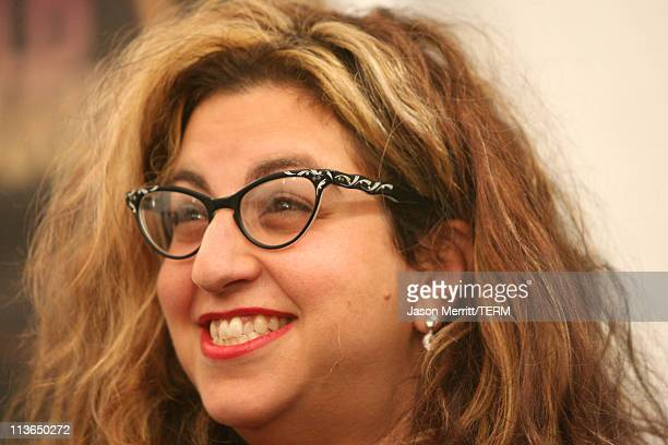 Jenji Kohan winner of Outstanding Episodic Comedy for Weeds