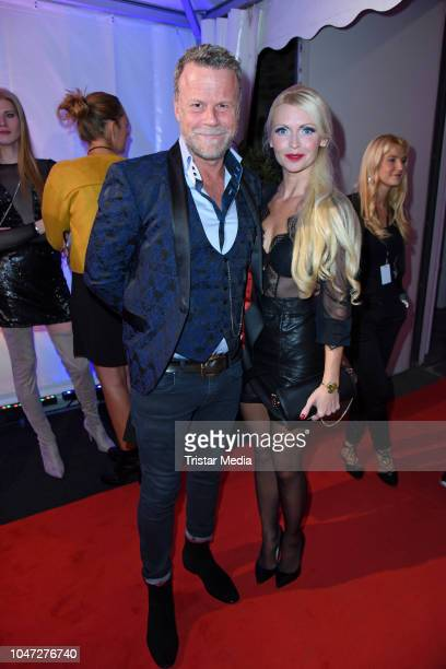 Jenke von Wilmsdorff and his wife Mia Bergmann attend the 22nd Annual German Comedy Awards at Studio in Koen Muelheim on October 7 2018 in Cologne...