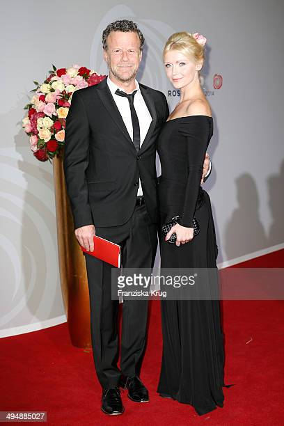 Jenke von Wilmsdorff and Mia BergmannBohlmann attend the Rosenball 2014 on May 31 2014 in Berlin Germany