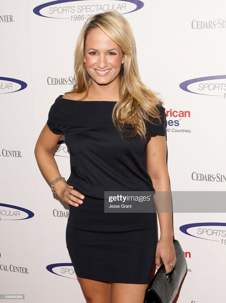 Jenn Brown arrives at the 25th anniversary of Cedars-Sinai Sports Spectacular at the Hyatt Regency Century Plaza on May 23, 2010 in Century City, California.
