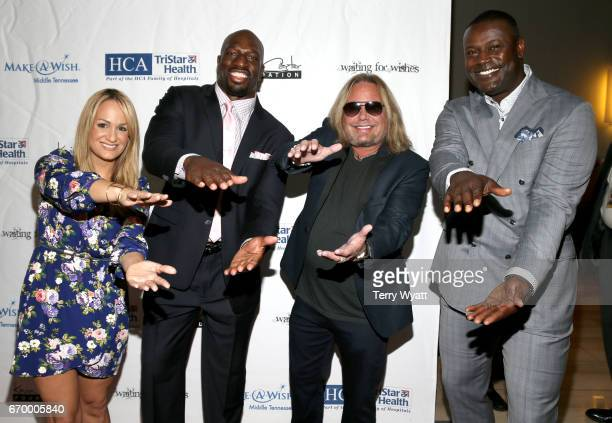 Jenn Brown Titus O'Neil Vince Neil and Kevin Carter attend the 16th Annual Waiting for Wishes Celebrity Dinner Hosted by Kevin Carter Jay DeMarcus on...
