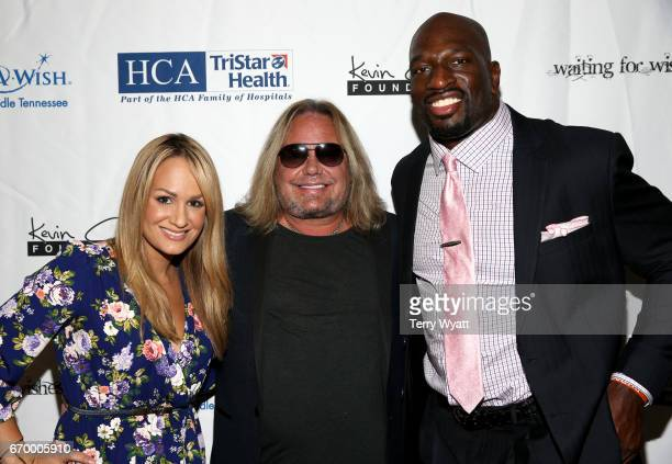 Jenn Brown Vince Neil and Titus O'Neil attend the 16th Annual Waiting for Wishes Celebrity Dinner Hosted by Kevin Carter Jay DeMarcus on April 18...