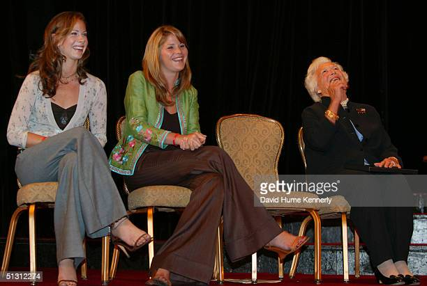Jenna Bush and Barbara Bush the twin daughters of President George W Bush appear with their grandmother former first lady Barbara Bush at a W Stands...