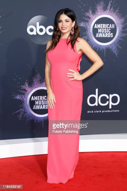 Jenna Dewan at the 2019 American Music Awards arrivals at Microsoft Theater - PHOTOGRAPH BY P. Lehman / Barcroft Media