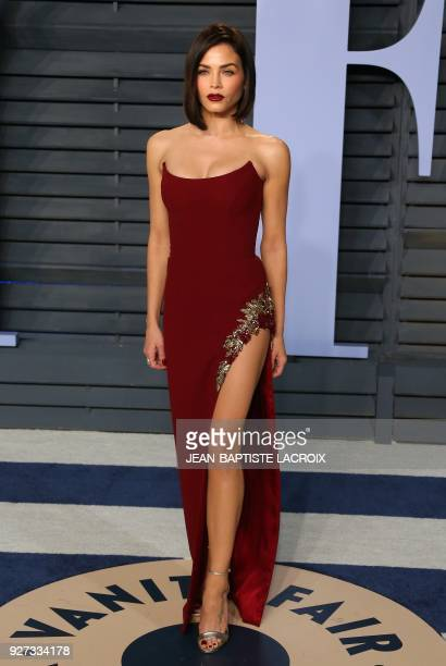 Jenna Dewan Tatum attends the 2018 Vanity Fair Oscar Party following the 90th Academy Awards at The Wallis Annenberg Center for the Performing Arts...