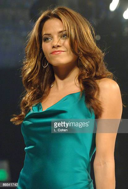 Jenna Dewan wearing Hannah Hartnel for Robert Ellis