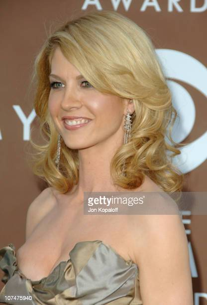 Jenna Elfman During The 48th Annual Grammy Awards Arrivals At Staples Center In Los Angeles California