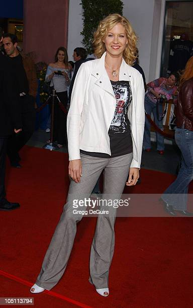 Jenna Elfman during The World Premiere of Bruce Almighty at Universal Amphitheatre in Universal City California United States