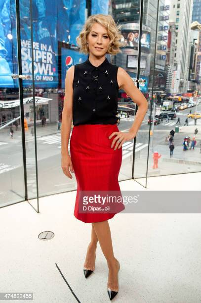 Jenna Elfman visits Extra at their HM Studio in Times Square on February 25 2014 in New York City