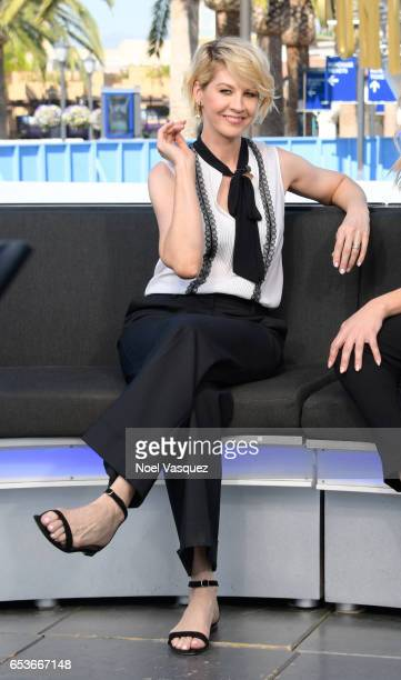 Jenna Elfman visits Extra at Universal Studios Hollywood on March 15 2017 in Universal City California