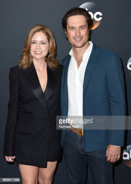 Jenna Fischer and Oliver Hudson attend the 2017 ABC Upfront on May 16 2017 in New York City