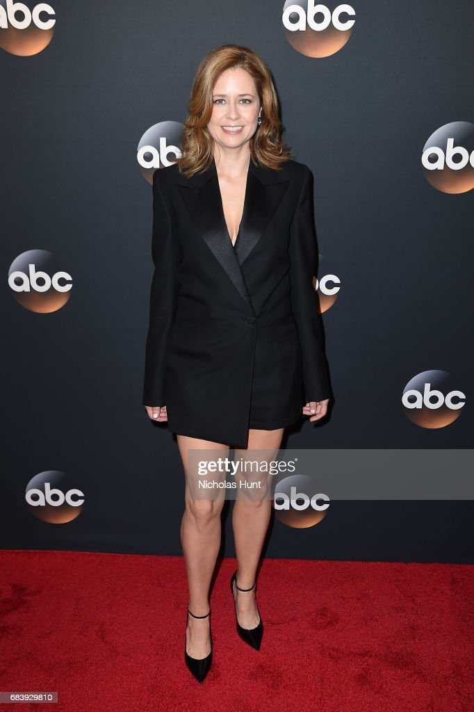 Jenna Fischer attends the 2017 ABC Upfront on May 16, 2017 in New York City.