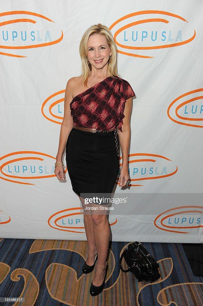 9th Annual Lupus LA Hollywood Bag Ladies Luncheon : News Photo