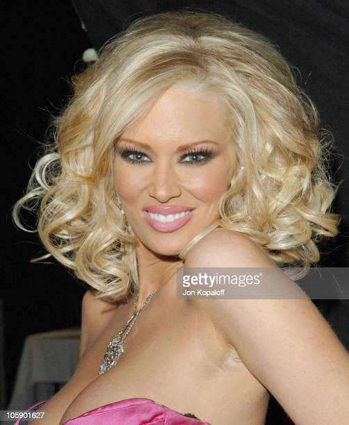 Jenna Jameson Club Jenna Owner/Award Winner during 2006 AVN Awards Arrivals and Backstage at The Venetian Hotel in Las Vegas Nevada United States
