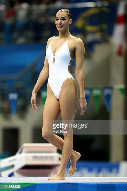 Jenna Randall of England competes in the Solo Technical Routine at the Dr SP Mukherjee Aquatics Complex during day three of the Delhi 2010...