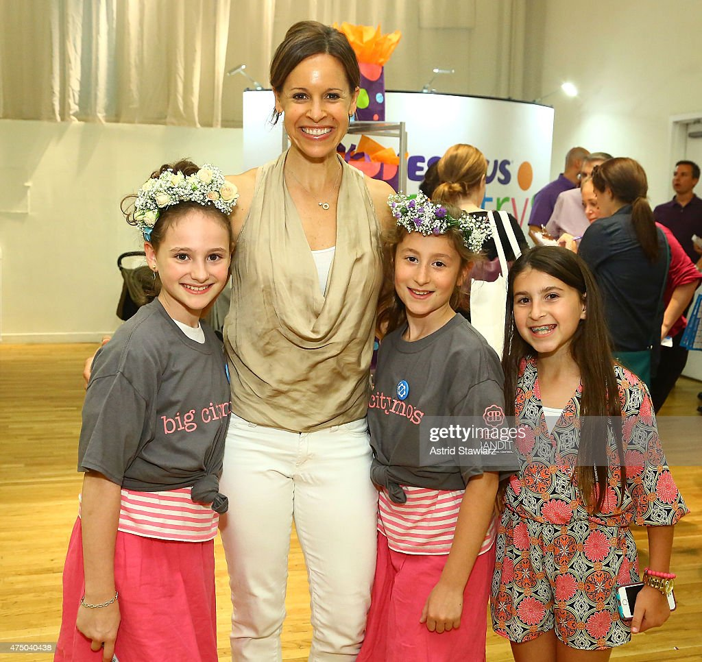 Captivating Jenna Wolfe (2nd From L) Attends Big City Moms Biggest Baby Shower Ever NYC