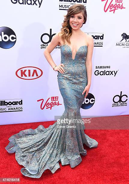 Jennette McCurdy arrives at the 2015 Billboard Music Awards at MGM Garden Arena on May 17, 2015 in Las Vegas, Nevada.