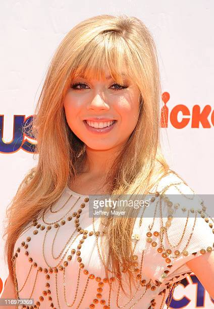 Jennette McCurdy attends Nickelodeon's 'iParty With Victorious' screening at The Lot on June 4 2011 in West Hollywood California