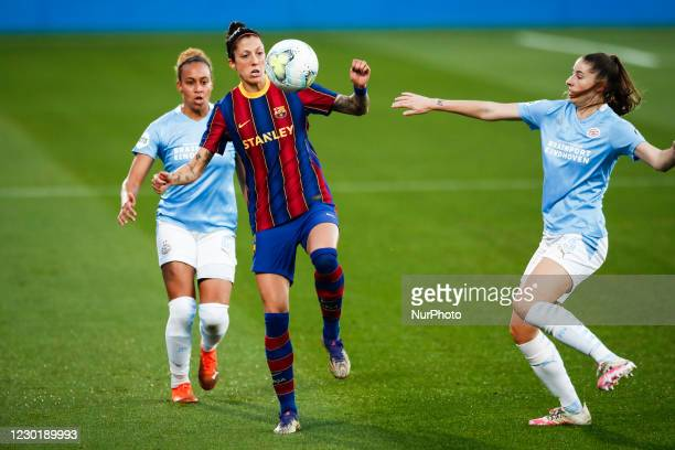 Jenni Hermoso of FC Barcelona defended by 02 Ellie Jean of PSV and 23 Amy Harrison of PSV during the UEFA Champions League Women match between PSV v...