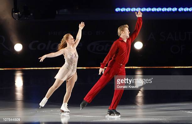Jenni Meno and Todd Sand skate at 'A Salute to the Golden Age of American Skating at Boardwalk Hall Arena on December 11 2010 in Atlantic City New...