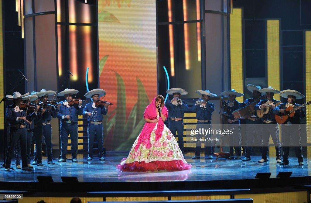 2010 Premio Lo Nuestro a La Musica Latina Awards - Show : News Photo